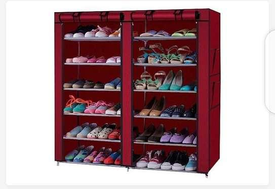 Range chaussure en tissu image 2
