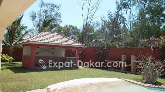Villa luxueuse à vendre à Saly image 2