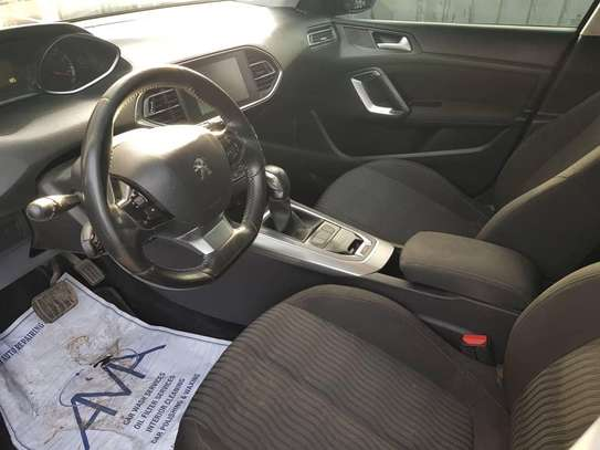 Peugeot 308 année 2016 image 3