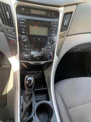 Hyundai sonata image 3