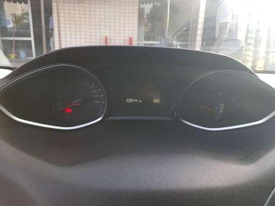 Peugeot 308 année 2016 image 2