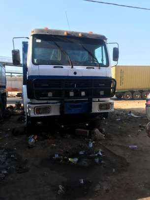 Camion 10 roues image 1