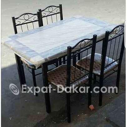 Table A Manger - 4 Places - Chaises en fer forgé image 1