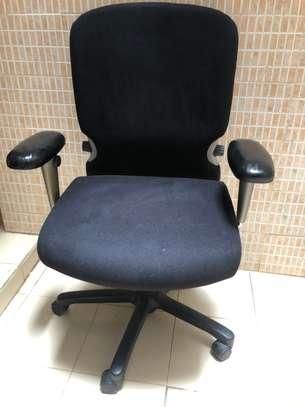 Chaise de bureau orthopédique image 4