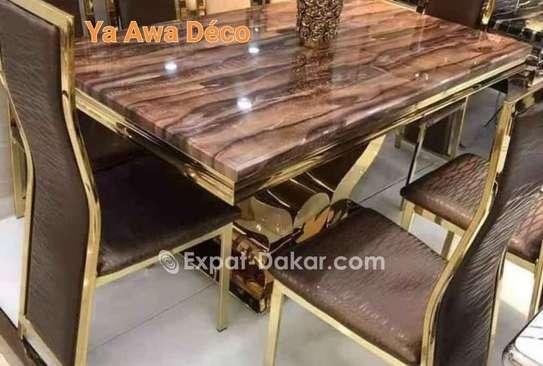 Table à manger avec plateau tournant image 3