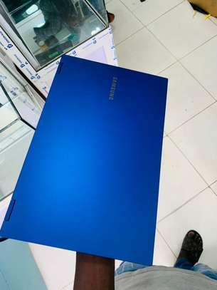 Samsung Galaxy Book Qled i7 image 5