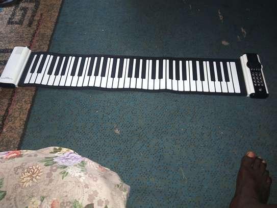 Piano Roland image 2