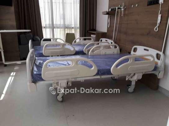 Des lits hôpitaux image 1