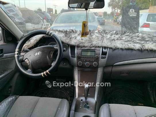 Hyundai Sonata 2010 image 2