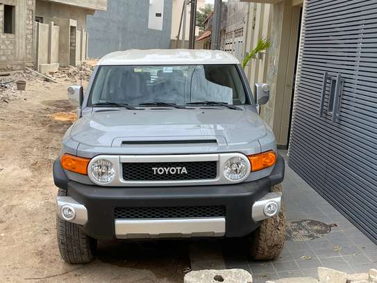 ToyotaFJ CRUISER image 3