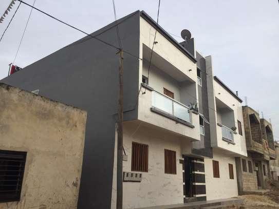 Appartement spacieux et récent à louer à Keur Massar image 7