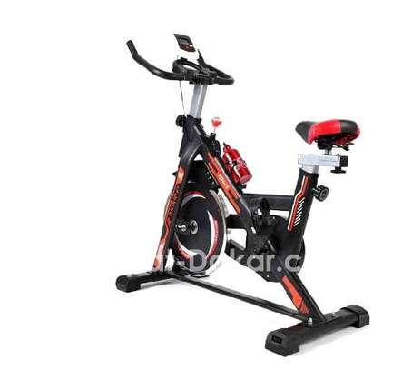 Vélo Spinning Tout neuf image 3