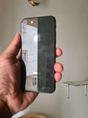 iPhone 64GB noir image 1