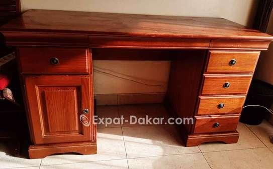 Bureau 5 tiroirs, 1 porte, en merisier image 1