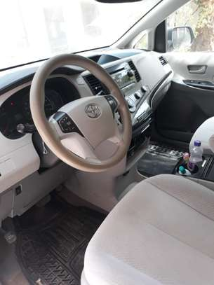 TOYOTA SIENNA 8 PLACES 2012 image 5