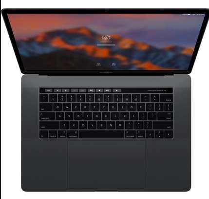 MacBook Pro touchbar 15pouces core i7 Ram16 image 2