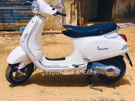 Vespa LX image 1