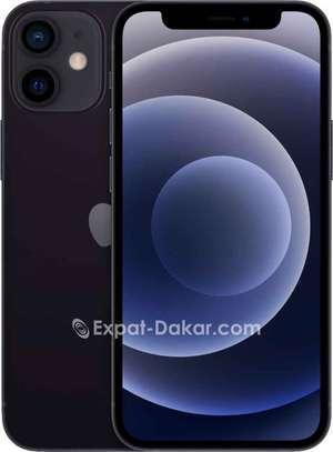 Iphone 12 image 3