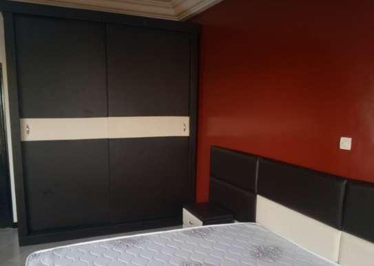 Chambre à coucher complète image 3