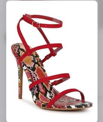 Vente de chaussures femmes image 10