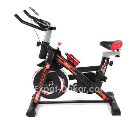 Vélo Spinning Tout neuf image 1