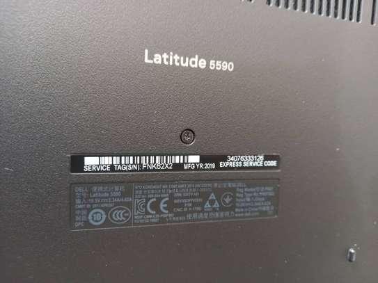 Dell Latitude 5590 image 3
