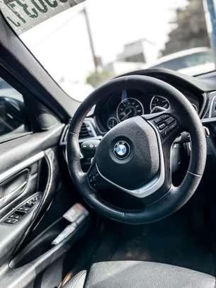 BMW 328i 2016 image 5