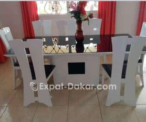 Table à manger + chaises image 3