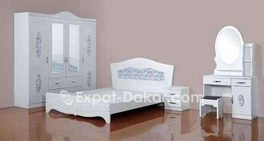 Chambre à coucher complet : armoire importé en boi image 1