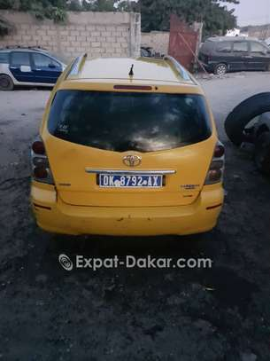 TAXI TOYOTA D4D VERSO image 3