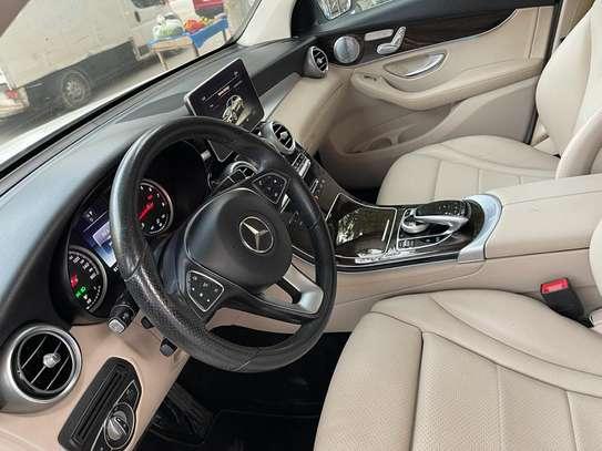 Mercedes GLC 300 image 6
