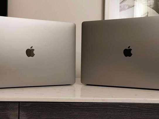 MacBook Pro TouchBar 2019 image 1