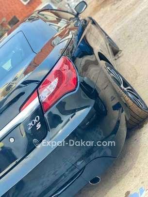 Chrysler 2011 image 3