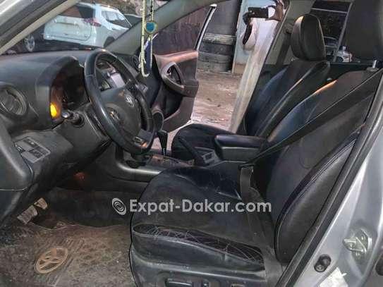 Toyota Rav 4 2010 image 4
