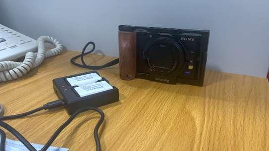 Sony alpharx100 v + grip image 3