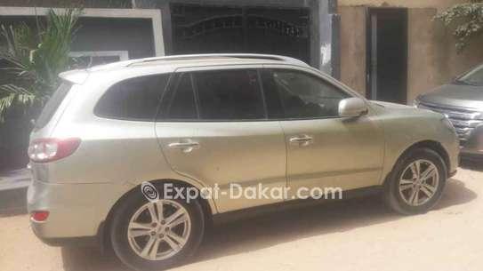 Hyundai Santa Fe 2012 image 2