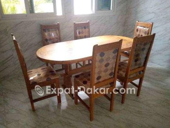 Promotion table à manger en bois image 2