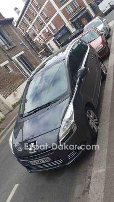 Peugeot 5008 2012 image 1