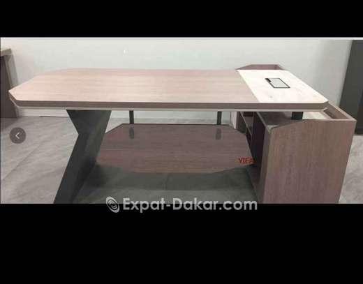 Table de bureau de Class A image 1