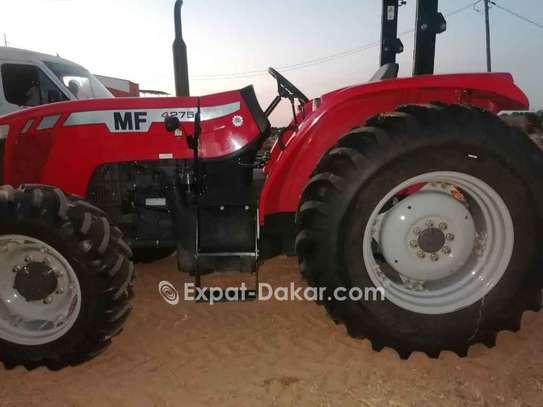 Tracteur agricole à louer image 3