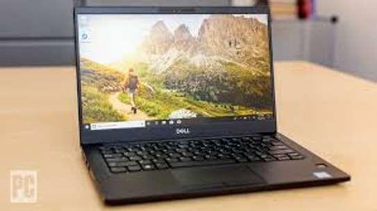Dell latitude 7390 i7 image 1