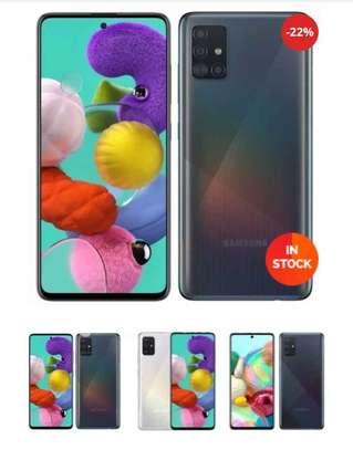Samsung A71 image 2