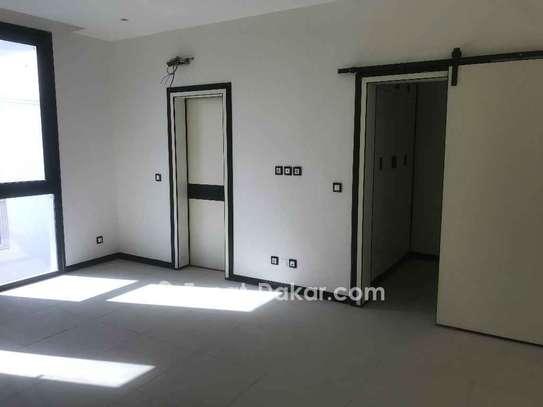 Appartement à vendre à Almadies image 5