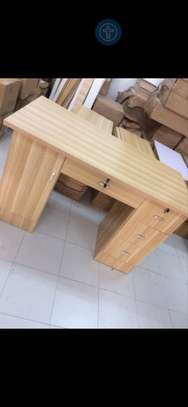 Table Bureau image 1