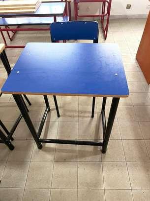 tables bancs image 4