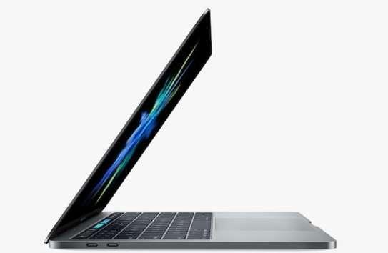MacBook Pro touchbar 15pouces core i7 Ram16 image 1