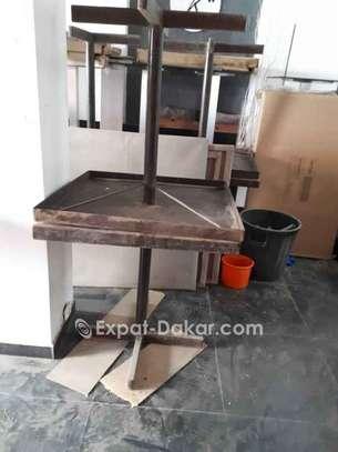 A vendre chaises et tables en fer confortables image 3