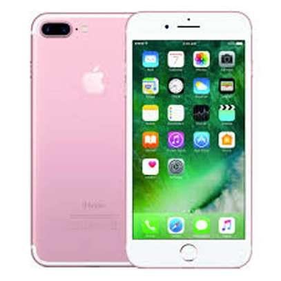 iPhone 7+ image 2