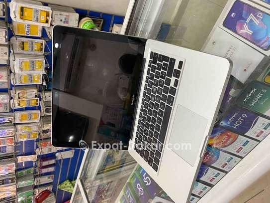 Apple  Macbook  Pro corei5 image 3