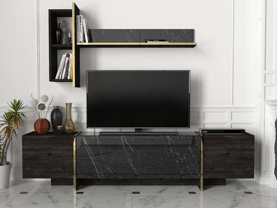 Table TV avec étagère murale image 2